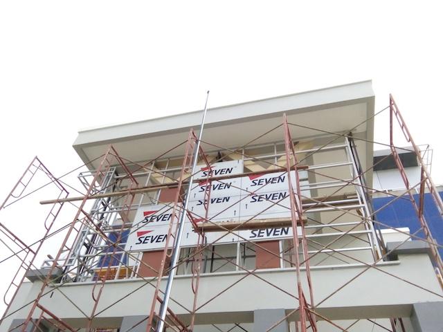 Pemasangan ACP Yang Benar Pada Tampak Depan Gedung