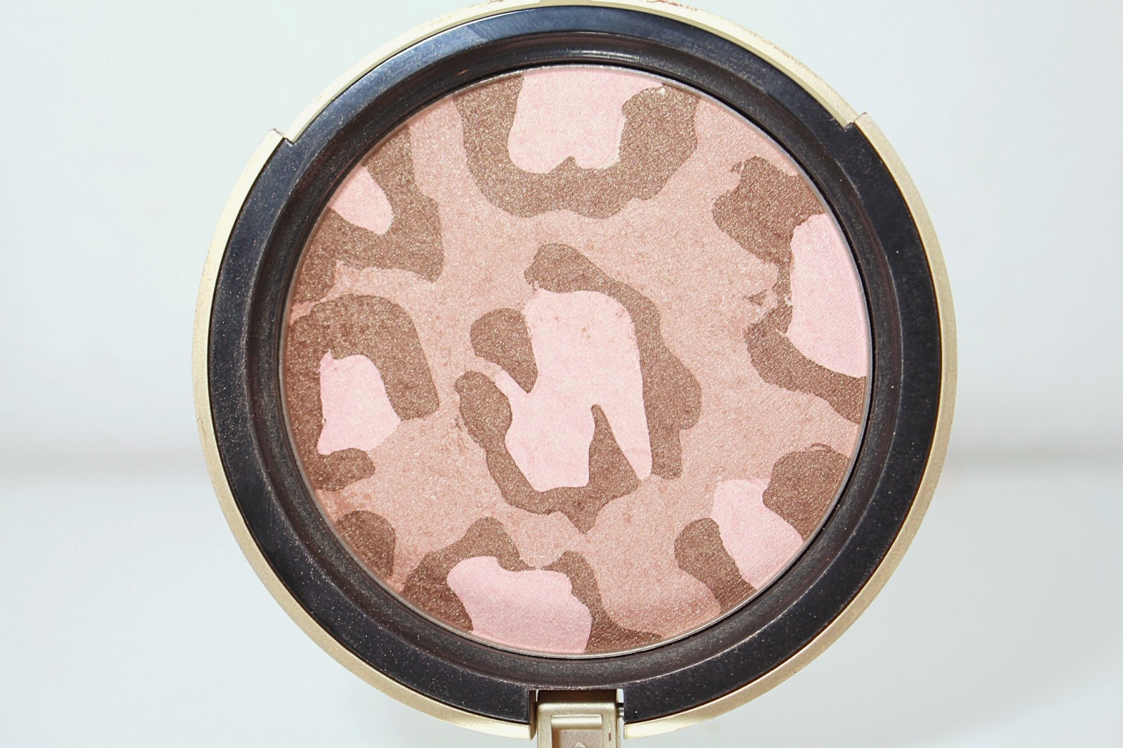 http://www.beautybylou.com/2014/10/pink-leopard-too-faced.html