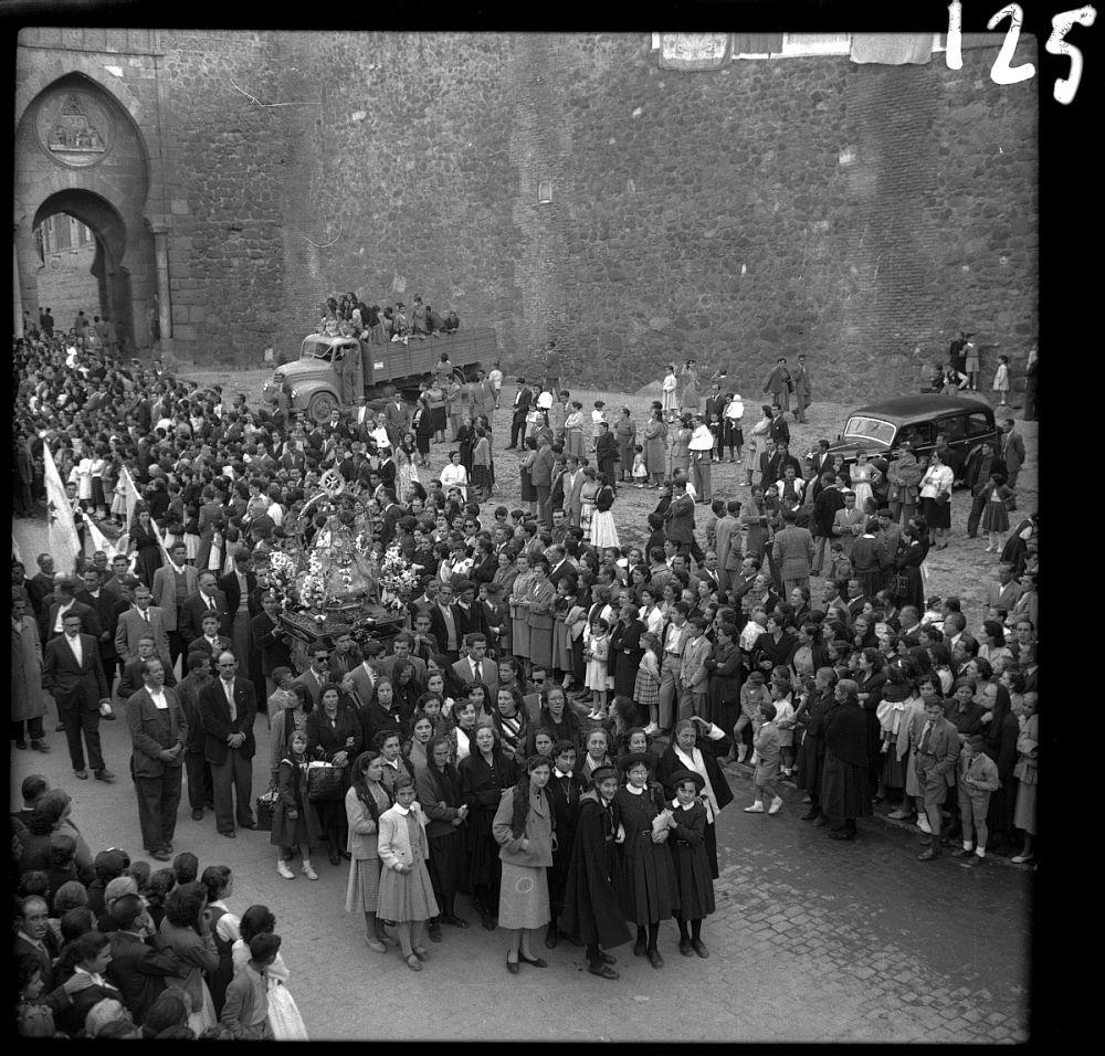 http://www.ayto-toledo.org/archivo/exposiciones/SemanaMariana/semanamariana2.asp?imagen0=107