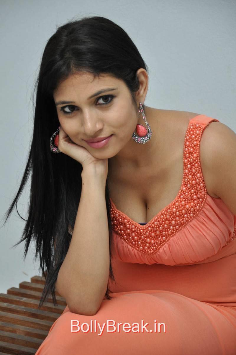 Vanditha Stills, Actress Vanditha Hot HD Images from Geethopadesam Audio Launch