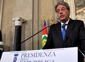ASUMIÓ COMO NUEVO PREMIER ITALIANO Y CONSERVA PARTE DEL PLANTEL DE RENZI