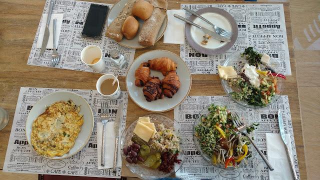ארוחת בוקר ישראלית  -רשת אוליב