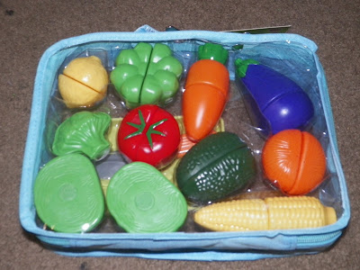 Click N' Play Pretend Play Cutting Vegetable Toy Set WIth Cutting Board and Knife