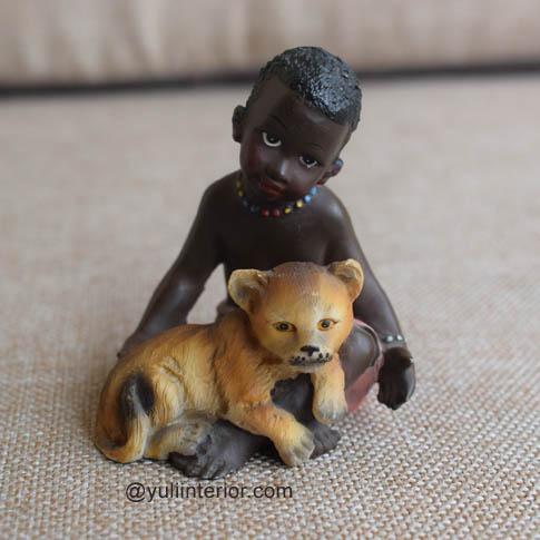 African Lareaux Figurine