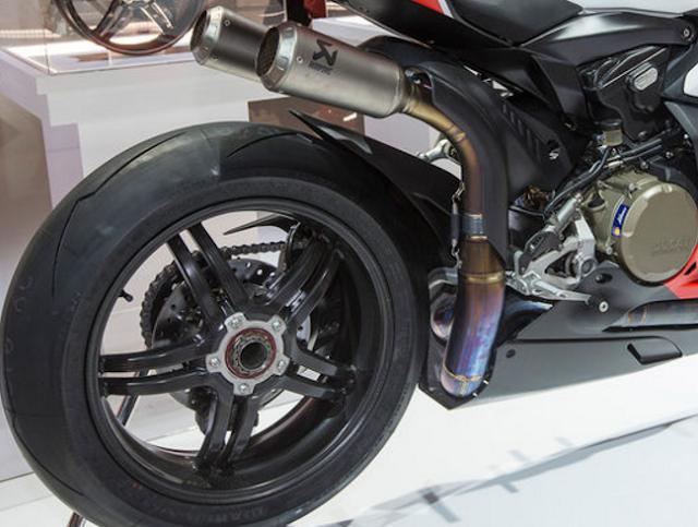2017 Ducati 1299 Superleggera Price and Engine Preview