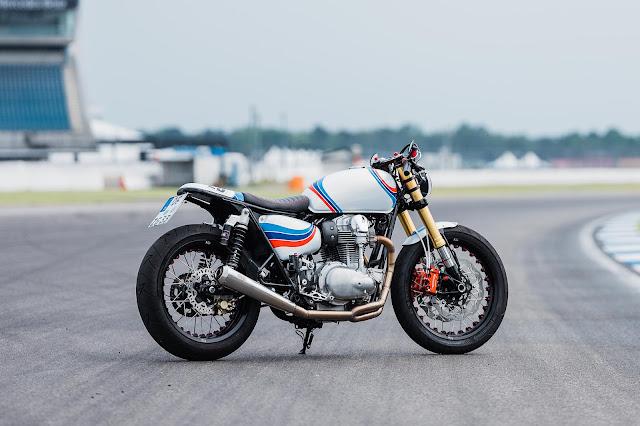 Kawasaki W800 By Schlachtwerk Hell Kustom