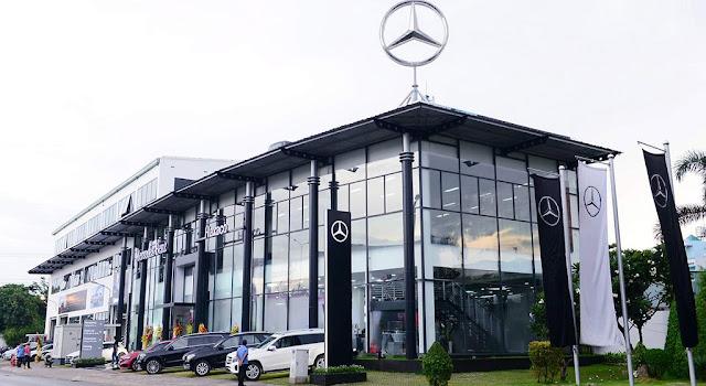 Mercedes Võ Văn Kiệt tọa lạc trên đại lộ Võ Văn Kiệt với tổng diện tích sử dụng gần 6.000 m2