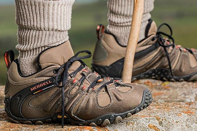 Dlium Hiking shoes