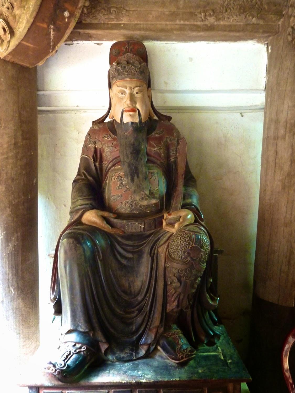 Estatua de  Chua Tay Phuong