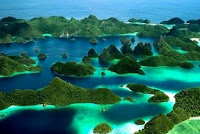 http://traveling-toindonesia.blogspot.co.id/2016/02/tourism-and-travel-in-papua.html
