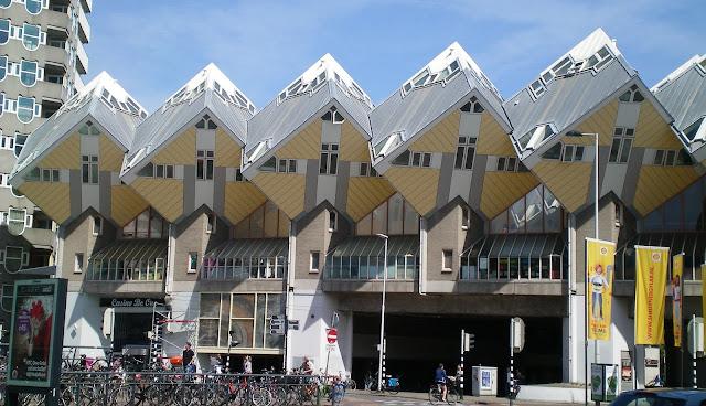 Casas cubo diseñadas por el arquitecto Piet Blom en 1984