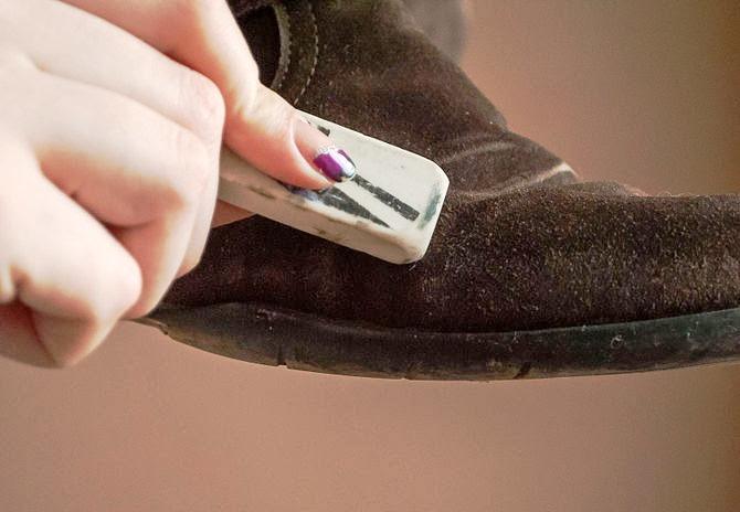 Hasil gambar untuk spray pelindung sepatu suede