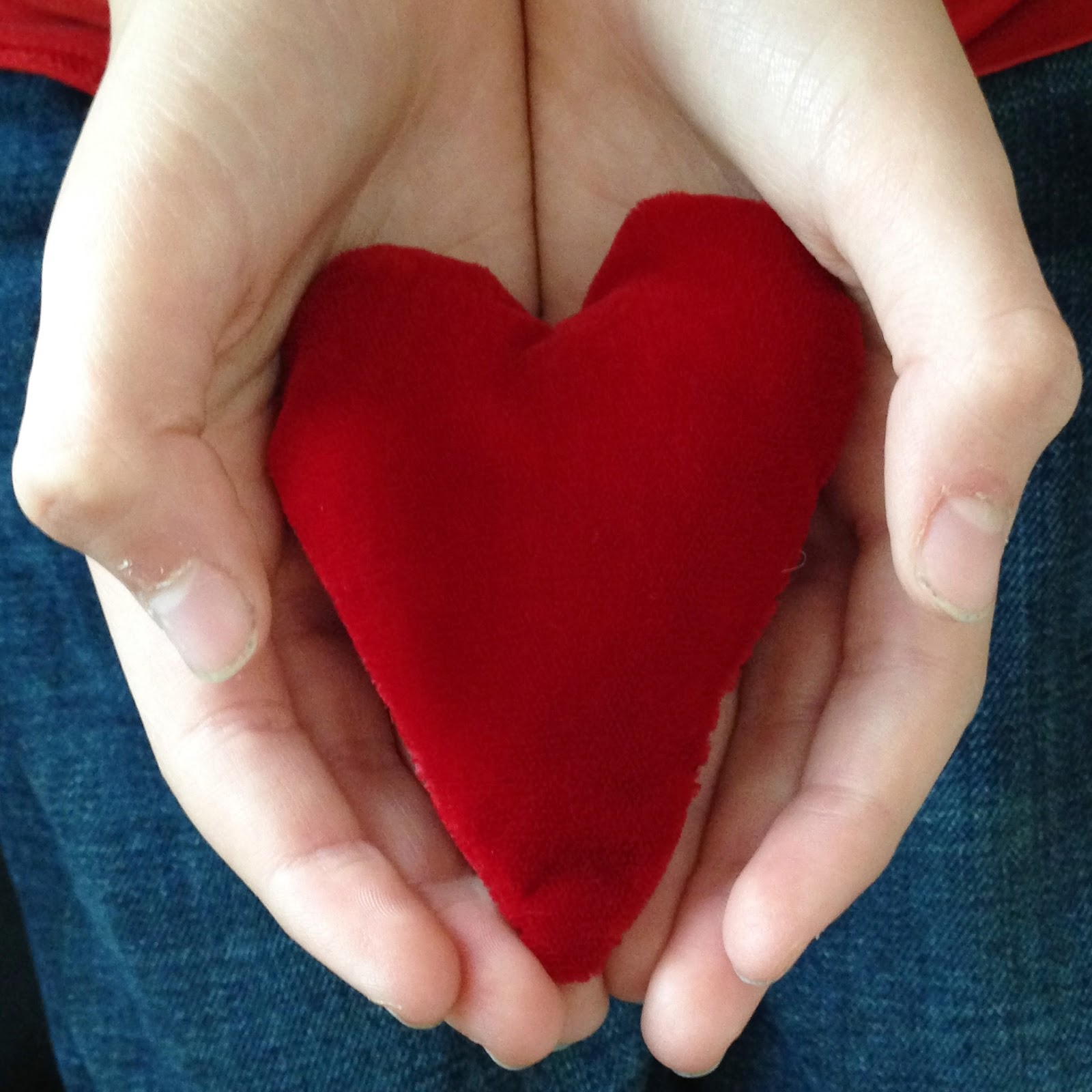 http://webloomhere.blogspot.com/2014/03/holding-hearts.html