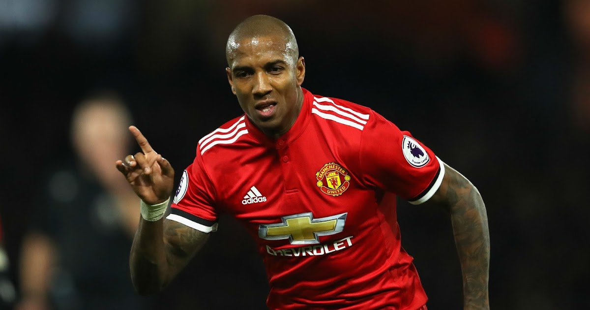 Ashley Young: MU Wajib Bangkit Lawan Valencia!