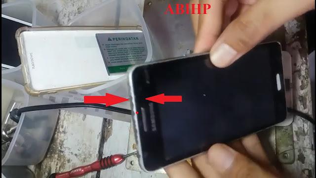 Tekan-tekan sekeliling touchscreen Samsung grand prime.
