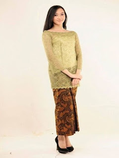 model rok batik panjang pesta