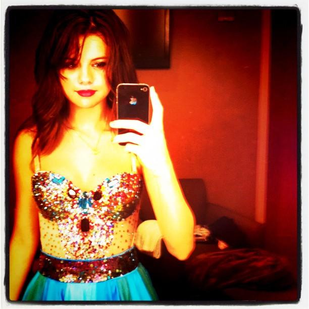 Selena Gomez Topless On Instagram