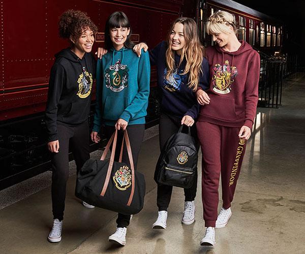 colección de moda y complementos Harry Potter de Primark