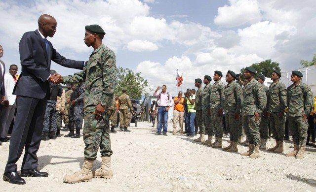 Presidente de Haití nombra a integrantes del Estado Mayor de sus nuevas Fuerzas Armadas