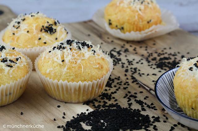 Leckere Muffins mit Pecorino und Schwarzkümmel für #ichbacksmir
