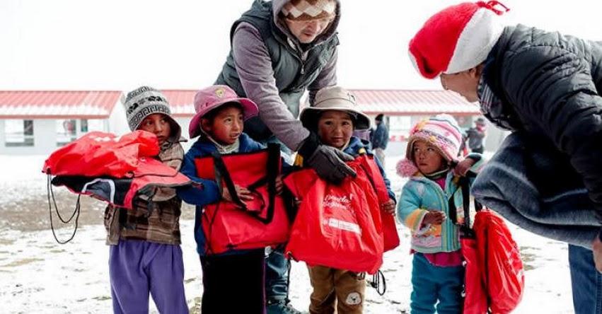 Ministerio de Educación entregó kits de abrigo para contrarrestar las heladas en Apurímac - MINEDU - www.minedu.gob.pe