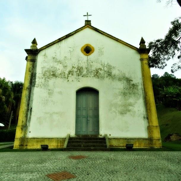 Capela de Santo Amaro, no Bairro da Barra, em Balneário Camboriú