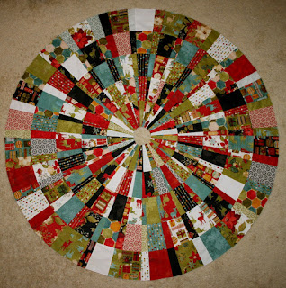 Quilt Inspiration: Free pattern day! Christmas Tree skirts : quilted tree skirt patterns - Adamdwight.com