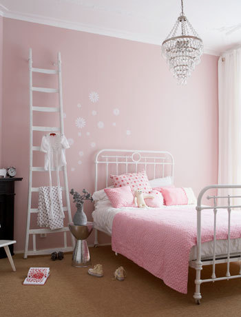 8 Pretty Girls Rooms With A Good Dash Of Whimsy Nooshloves