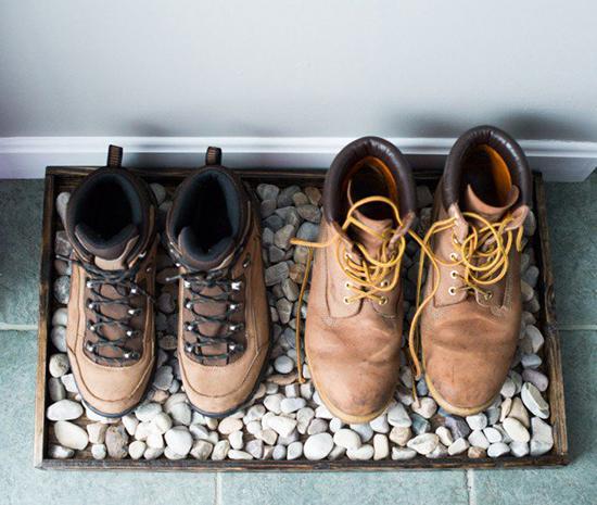 Desain tempat sepatu dari kayu pallet bekas