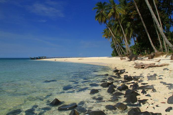 Pesona Pulau Kecil Di Kabupaten Bengkayang Kalimantan Barat