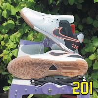 Sepatu Futsal KwS