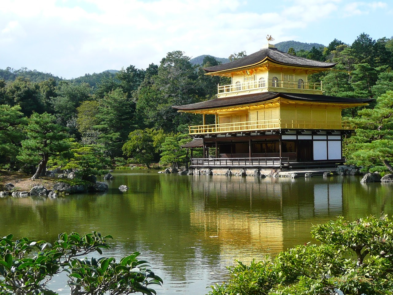 how to get to golden pavilion from osaka