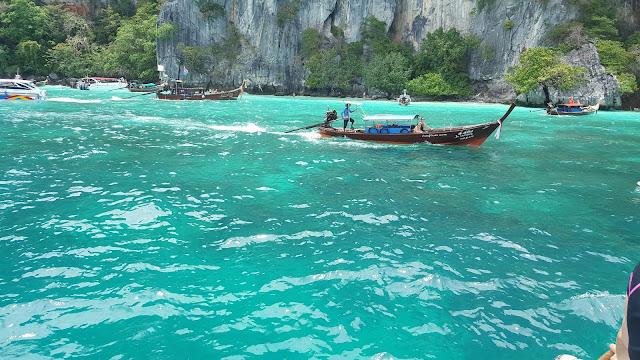 Phuket, Thailand, Tayland, gece hayatı, fil safarisi, tiger kingdom, fantasea show, cabaret, simon, big budha, phi phi, island, ada, deniz, masaj, bangla road, hangi otel, kata, paradise, freedom, jungceylon, ne yenir, ucuza tatil