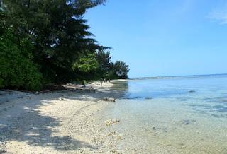 http://www.teluklove.com/2017/04/destinasti-objek-wisata-pulau-dua-barat.html