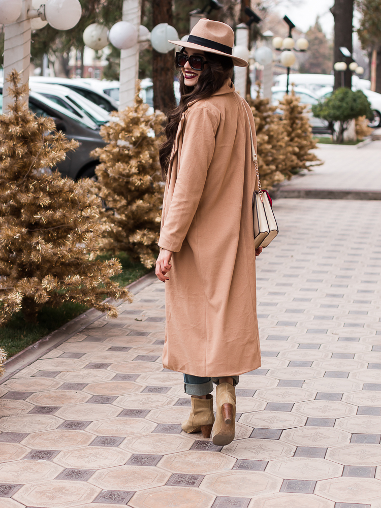 fashion blogger diyorasnotes beige midi coat shein fedora hat mom jeans