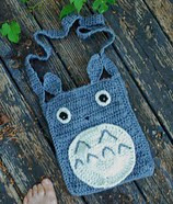http://www.ravelry.com/patterns/library/totoro-purse