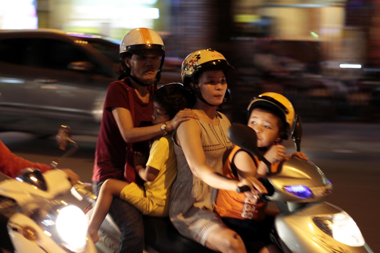 Familia vietnamita en moto