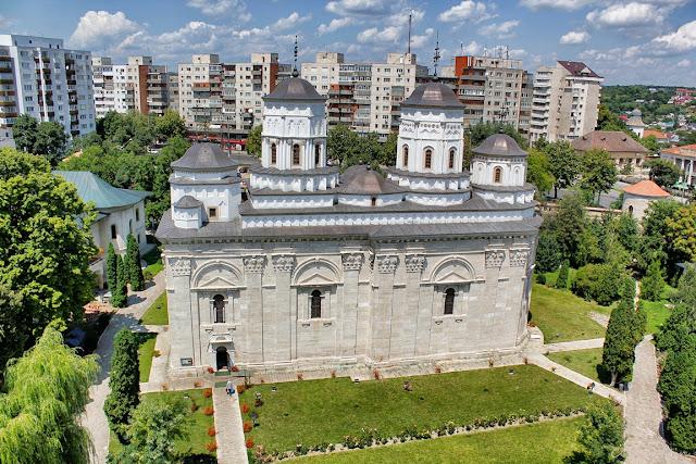 Biserica mãnãstirii Golia - blog FOTO-IDEEA