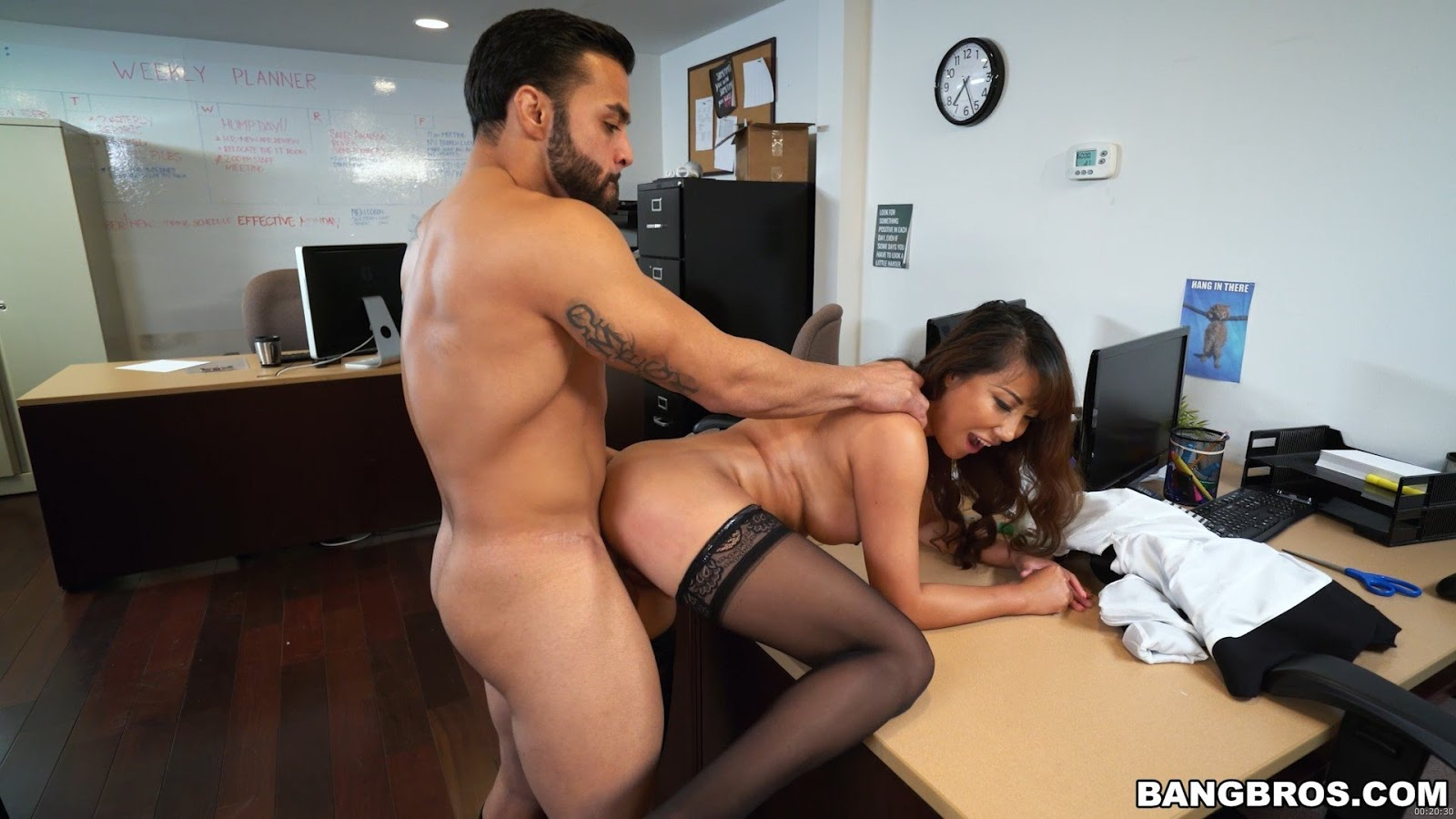 [bangbros]2017-04-22 Tiffany finally gets fucked in her office