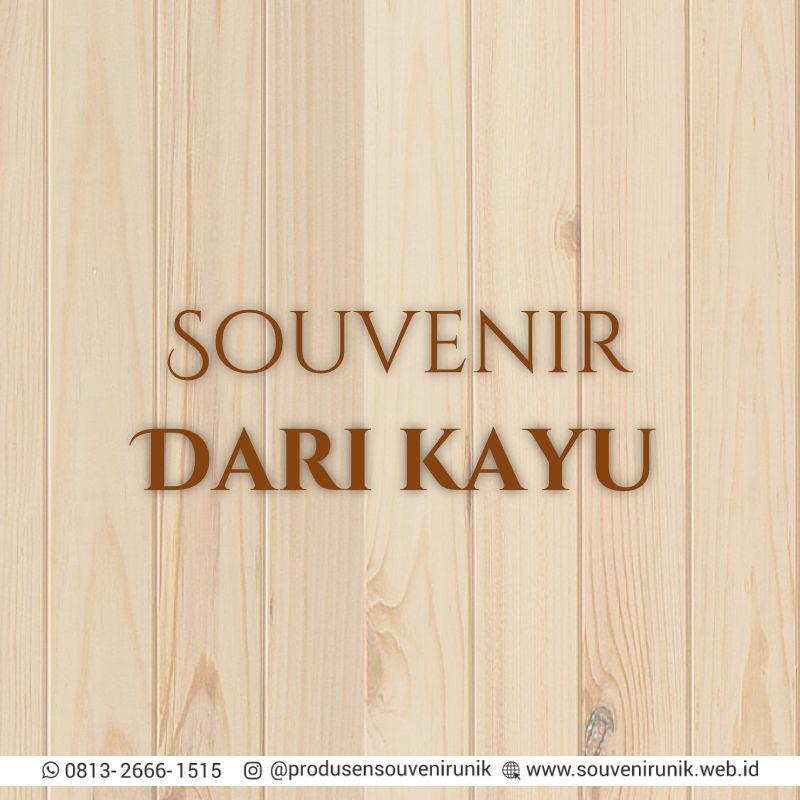 souvenir dari kayu