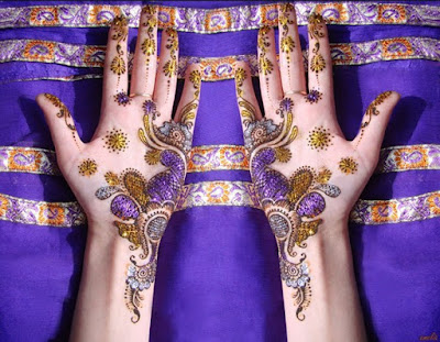 christmas-best-mehndi-designs-on-hands-for-girls-8