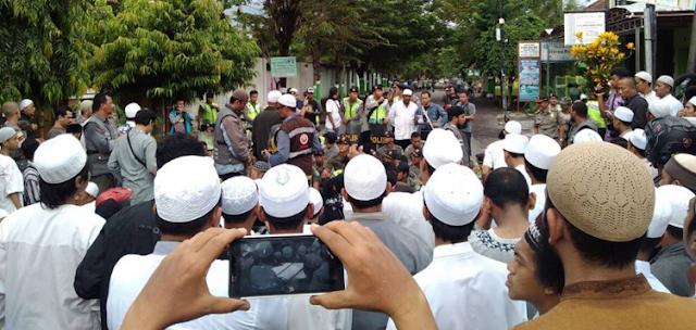 """Allahu Akbar! NU Bangil Berhasil Gagalkan Acara Syiah """"Maulid Fathimah"""""""