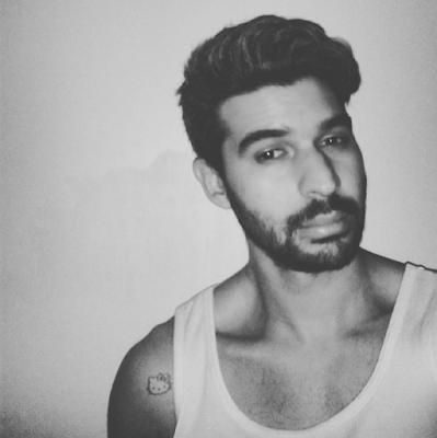 Selfie para instagram inspirada en avril lavigne hello kitty con un tatuaje para fuck the stereotypes
