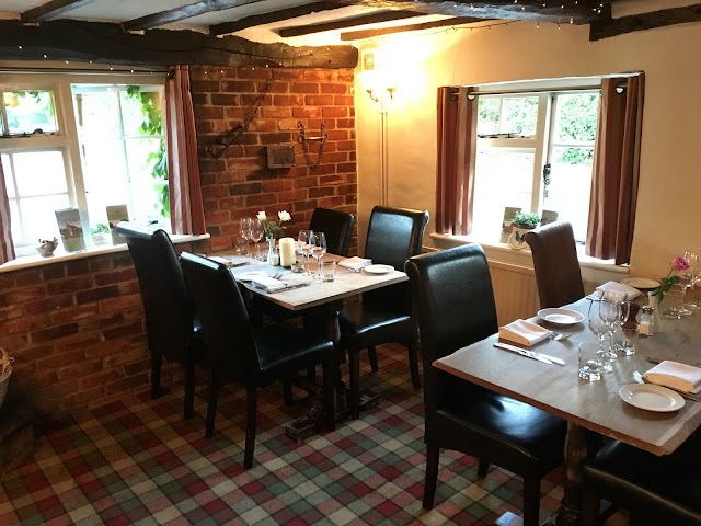 Indoor dining table - Bricklayers Arms, Flaunden