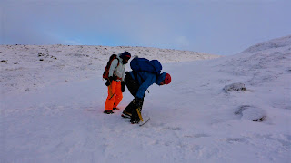 Scottish winter mountaineering course step-cutting