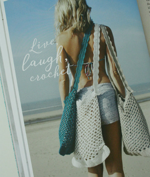 Crochet bags, YARN the sea issue by Scheepjes | Happy in Red