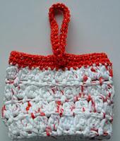 http://translate.googleusercontent.com/translate_c?depth=1&hl=es&rurl=translate.google.es&sl=en&tl=es&u=http://www.myrecycledbags.com/2011/11/16/cluster-stitch-recycle-gift-bag/&usg=ALkJrhh8jRh-3eL0h5HO8BUHrJSJ2Zkptw