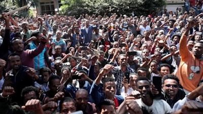 اثيوبيا تشتعل, رحيل ابى احمد, رئيس الوزراء الاثيوبي, الجيش ينتشر بالشوارع,