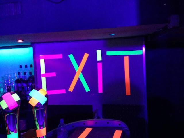 Balada l'Exit Cafe em Marselha
