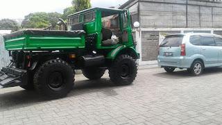 Dijual Unimog Truck Siapa Pakai ..